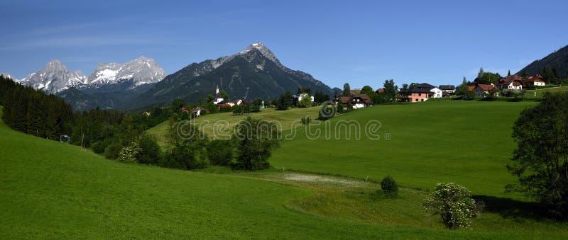 Vorderstoder, Totes Gebirge, Oberosterreich, Austria. Mountain village Vorderstoder with Kleiner Priel and Schwarzkogel peaks in Totesgebirge mountains in Upper stock photo