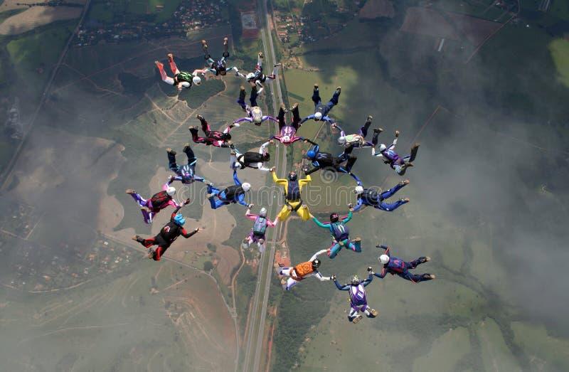 Vorming van de Skydivings de grote groep royalty-vrije stock afbeelding