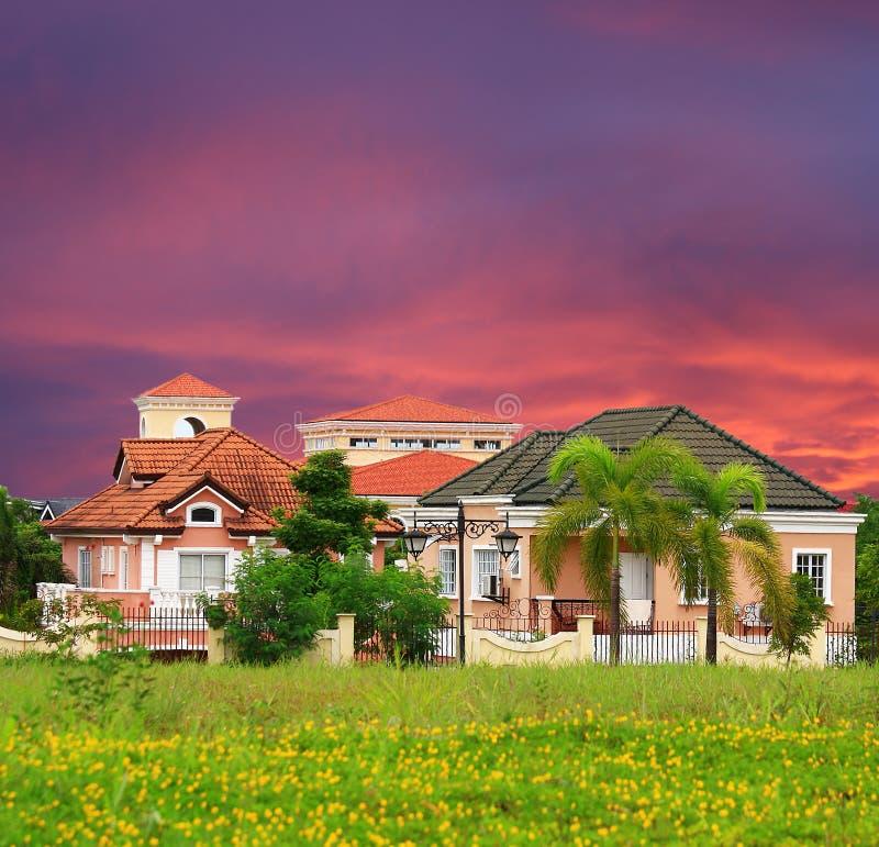 Vornehmes Dorf in Vorstadt-Manila stockfotografie