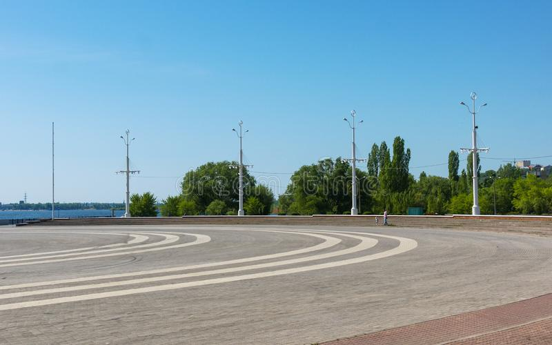 Voronezh, Ρωσία, στις 11 Μαΐου 2013: Πλατεία ναυαρχείου στο ανάχωμα Petrovskaya στοκ εικόνα με δικαίωμα ελεύθερης χρήσης