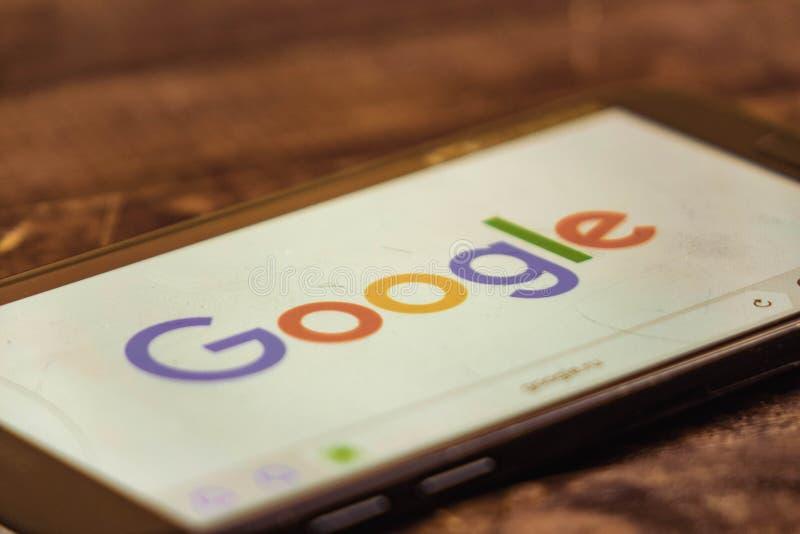 voronezh Federazione Russa - possono 3, 2019: Logo di Google sullo schermo dello smartphone Google ? una tecnologia americana e s fotografie stock