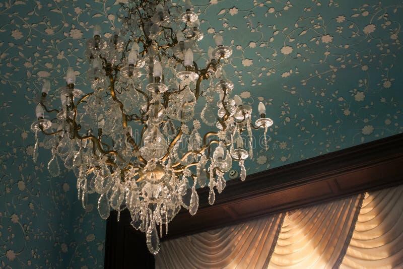 Vorontsov slott inre Cristal Luster Crimea arkivfoto