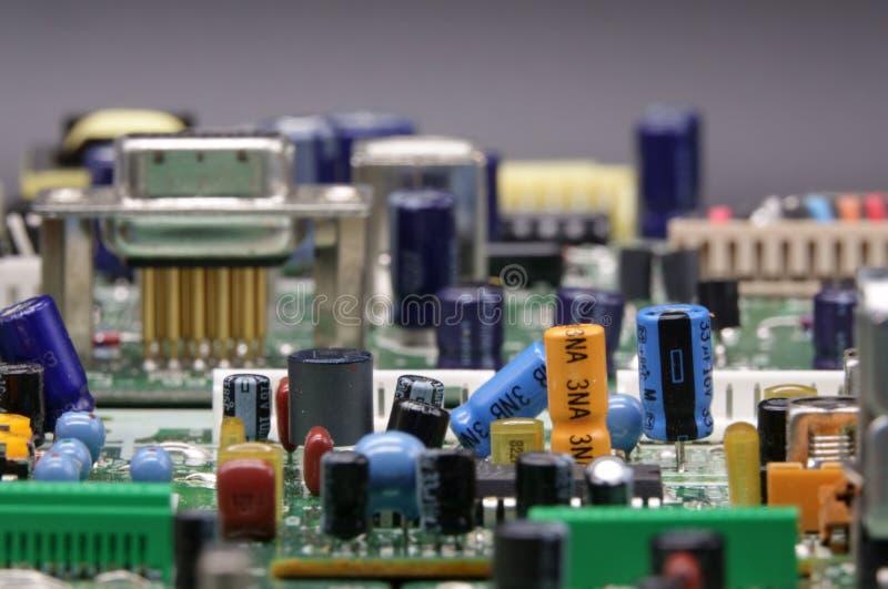 Vorstand mit elektronischen Bauelementen lizenzfreie stockfotos