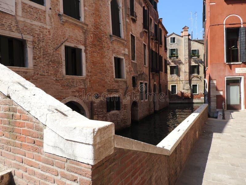 Vorzügliche historische Steinarchitektur von Venedig ungefähr von Sunny Italy stockbilder