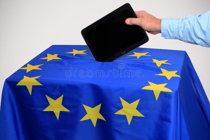Votando pela tabuleta, votação eletrônica fotografia de stock