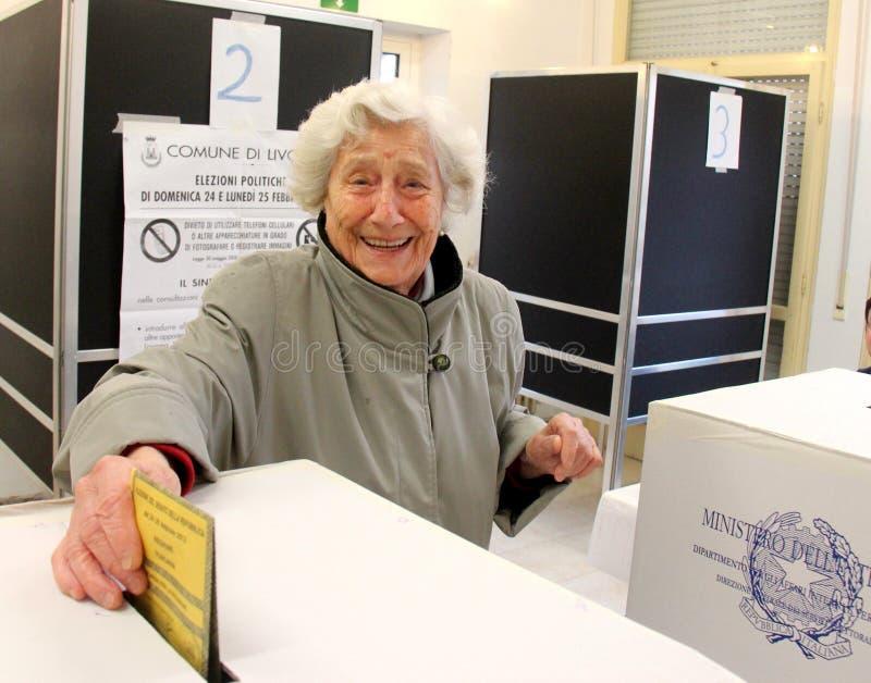 Votes d'élections de l'Italie images libres de droits
