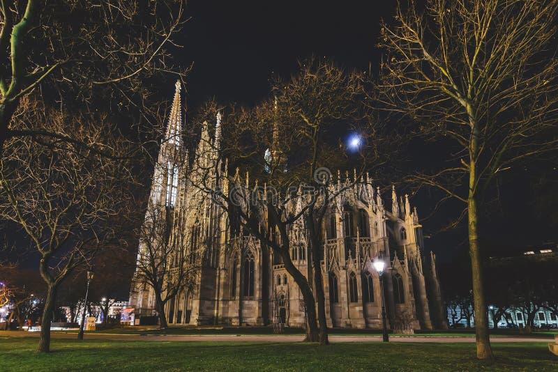 Votive εκκλησία και πάρκο sigmund-Freud στοκ εικόνα