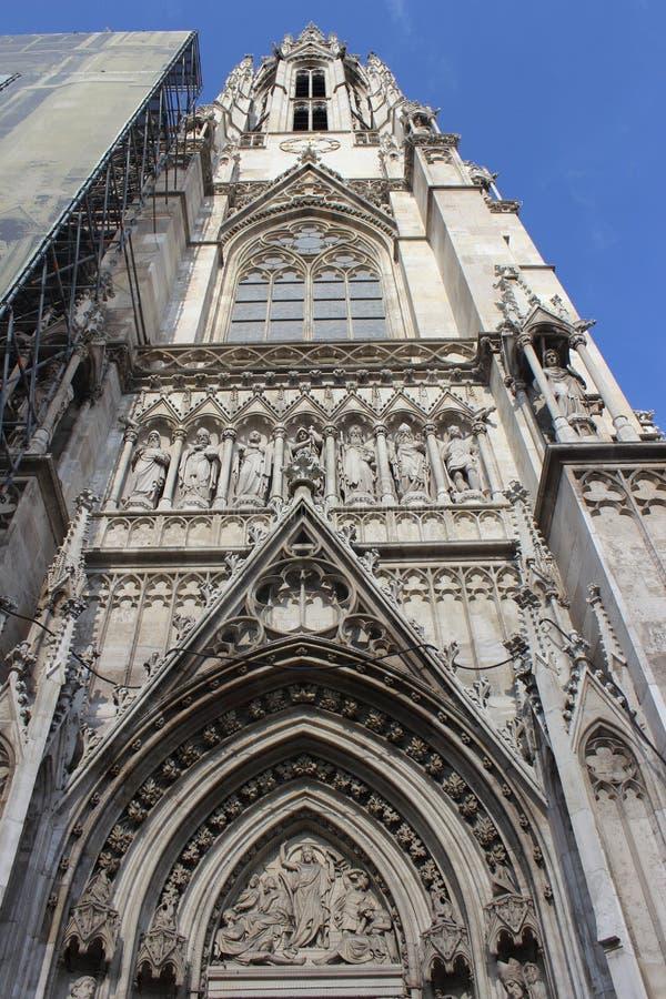 Votivkirche - Нео-готическая церковь (вена/Австрия) стоковое фото rf