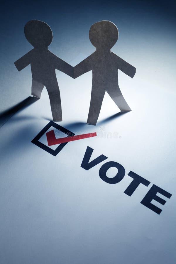 Voto e homens Chain do papel imagens de stock royalty free
