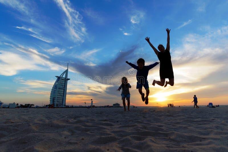Voyage avec des enfants - Dubaï images libres de droits