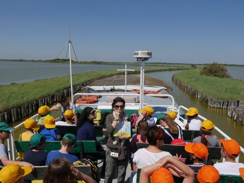 Voyage de bateau de lagunes de Comacchio photos stock