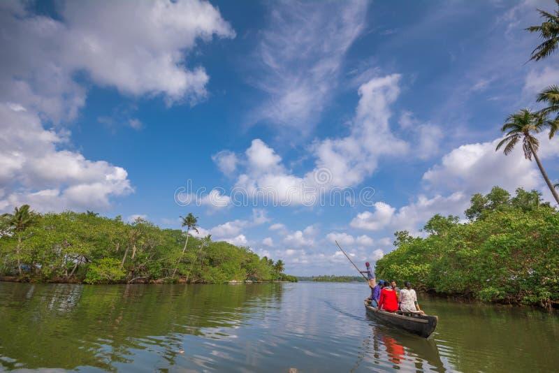 Voyage de cano? par la rivi?re de Kallada, ?le de Munroe image libre de droits