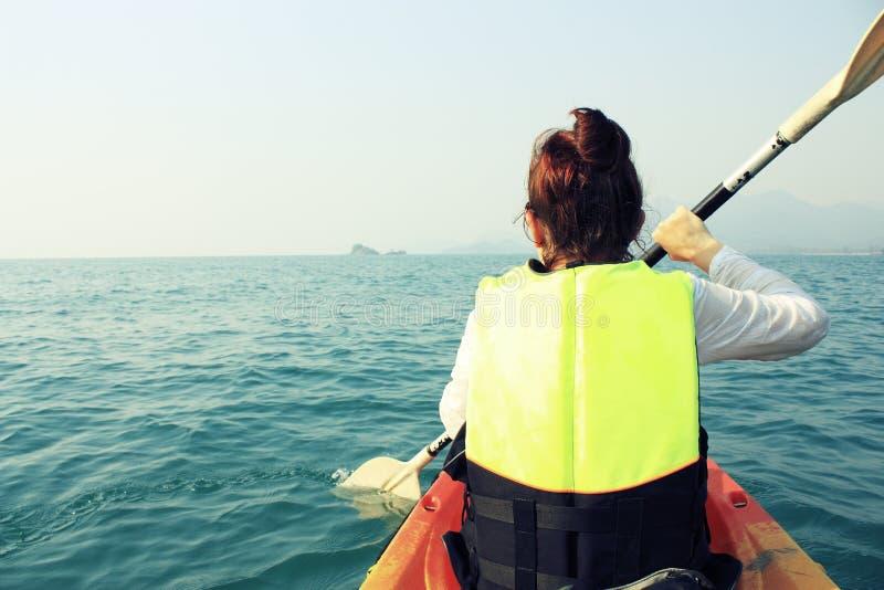 Voyage de kayak photographie stock libre de droits