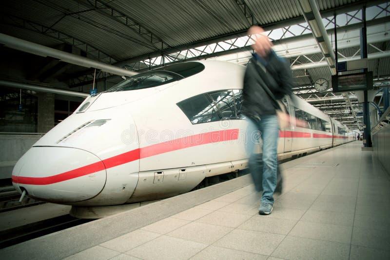 Voyage de train photographie stock libre de droits