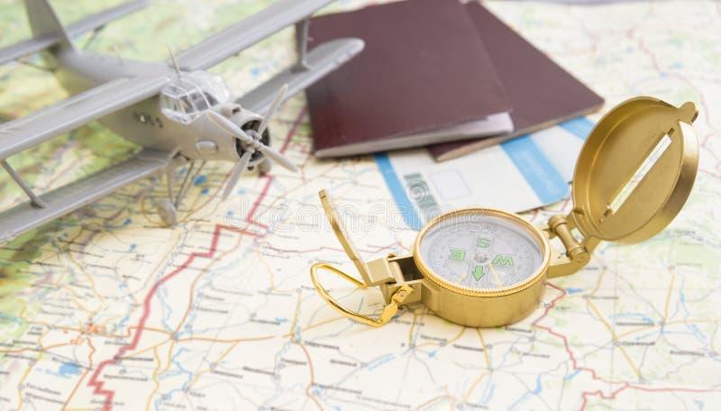 Voyage en l'avion à différents pays photographie stock