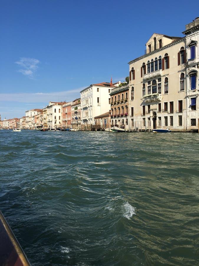 Voyage le long de Grand Canal à Venise, Italie photos libres de droits