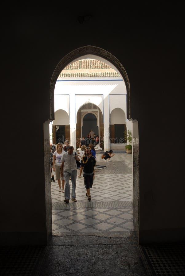 Voyage par les rues de Marrakech au Maroc image libre de droits