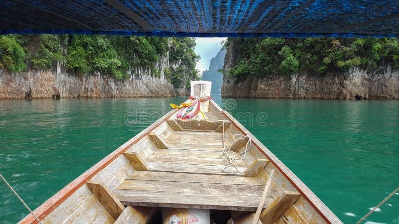 Voyage privé de bateau sur la lagune en Thaïlande images stock