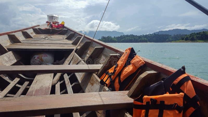 Voyage privé de bateau sur la lagune en Thaïlande photos libres de droits