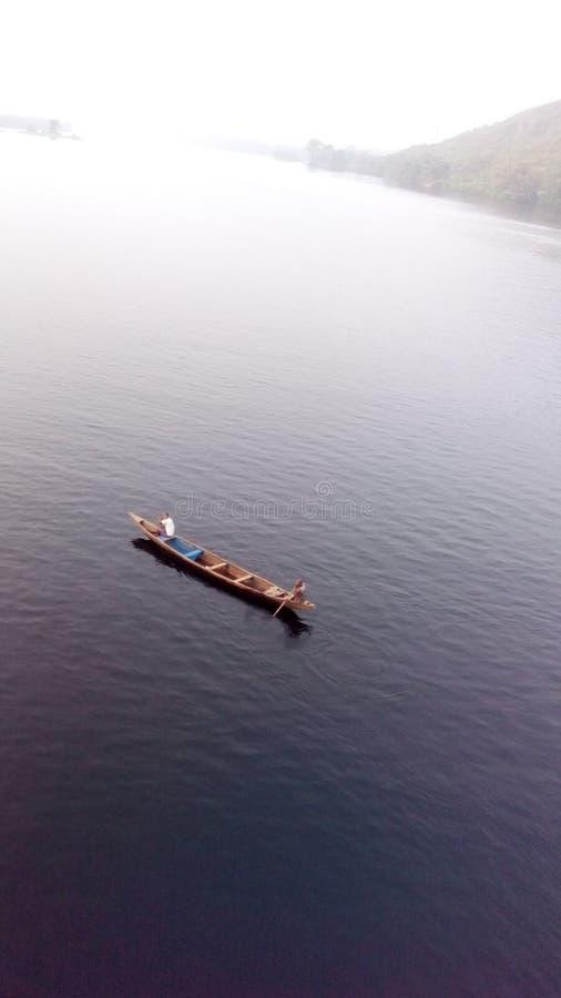 Voyage sur le lac photos stock