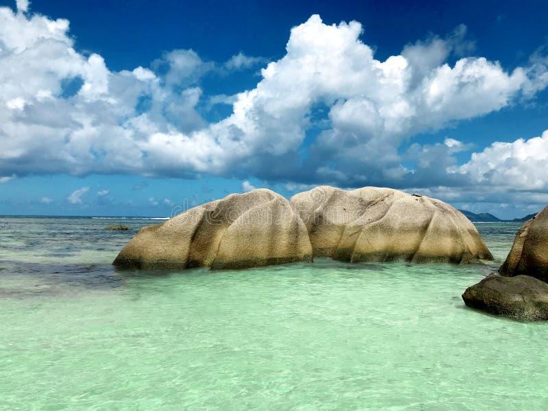 Voyage vers les Seychelles, paysage marin tropical images libres de droits