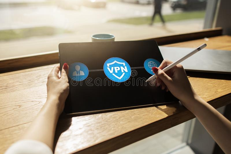 VPN Ιδεατό ιδιωτικό δίκτυο Κρυπτογραφημένη ασφάλεια σύνδεση Ανώνυμη χρησιμοποίηση Διαδικτύου στοκ φωτογραφίες με δικαίωμα ελεύθερης χρήσης