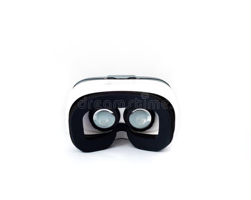 VR-exponeringsglas eller virtuell verklighethörlurar med mikrofon som isoleras på vit arkivfoton