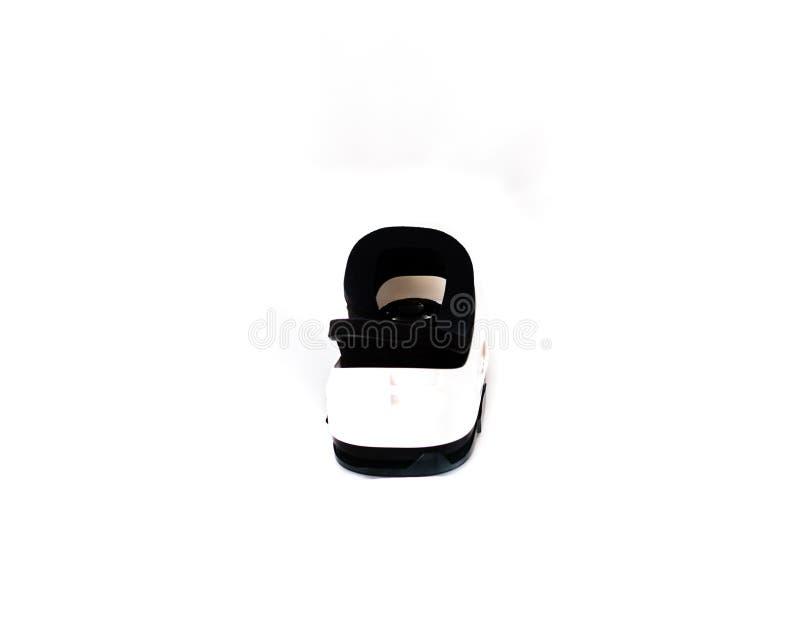 VR-exponeringsglas eller virtuell verklighethörlurar med mikrofon som isoleras på vit fotografering för bildbyråer