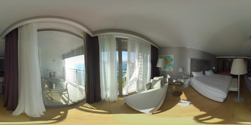 360 VR-Innenraum des Hotelzimmers das Meer übersehend Feiertag in Antalya, die Türkei stockfoto