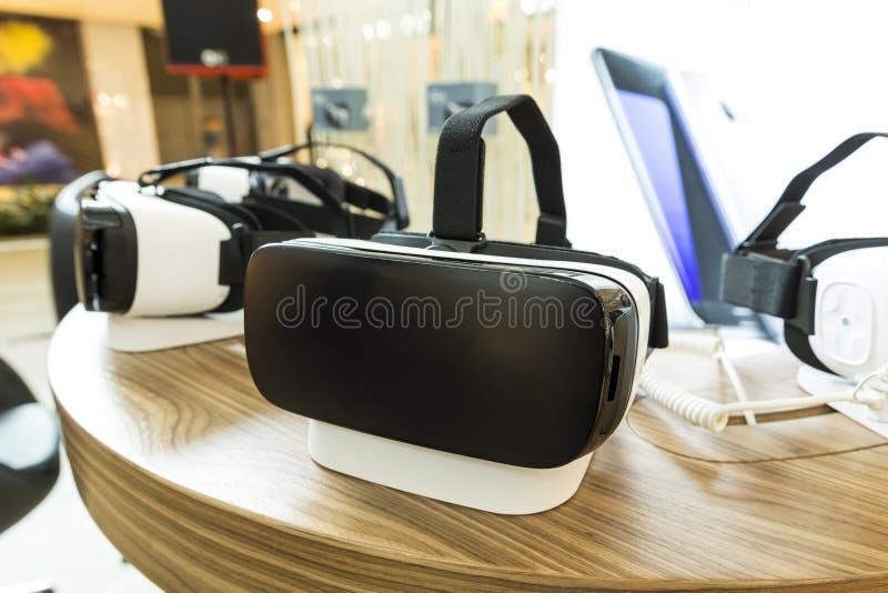 VR słuchawki, rzeczywistość wirtualna ustawiają, VR szkła obraz stock