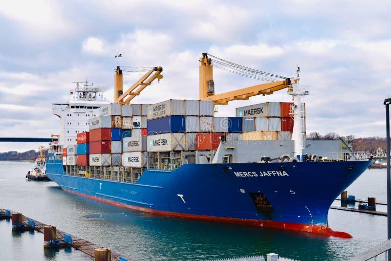 Vrachtschipschip in Kiel Germany royalty-vrije stock foto