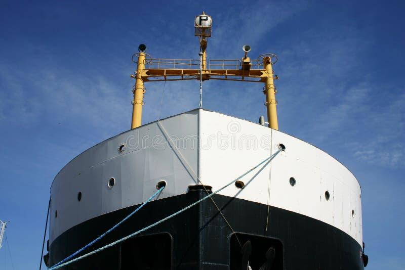 Vrachtschipvoorzijde stock afbeelding