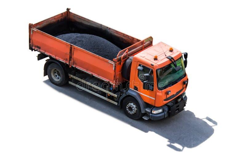 Vrachtwagen met zwarte bitumenbitum voor wegenbouw royalty-vrije stock afbeelding