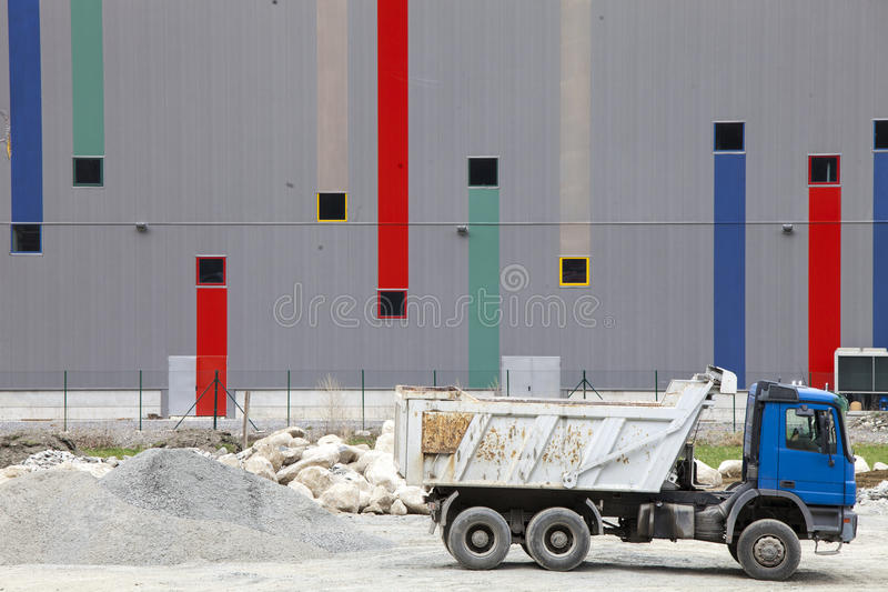 Vrachtwagensbouwwerf Beton, cement en bouwmaterialen royalty-vrije stock foto's