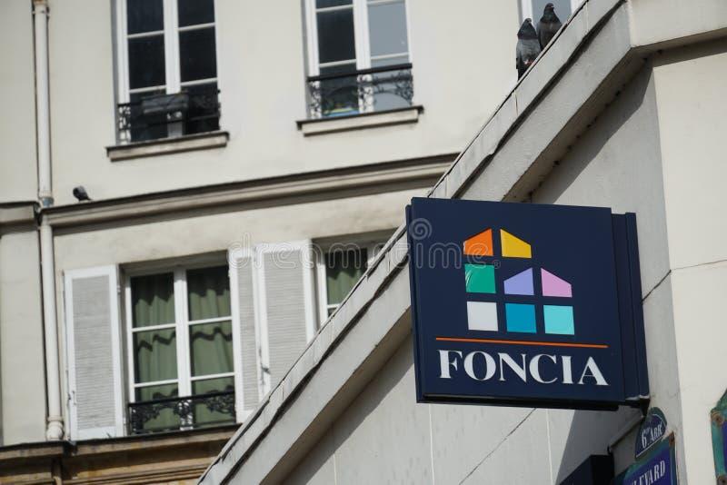 Vraie agence immobilière de Foncia photographie stock libre de droits