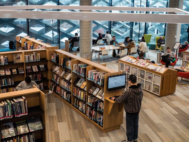 Vraie bibliothèque, étude et centre culturel dans Ringwood dans les banlieues orientales de Melbourne image libre de droits