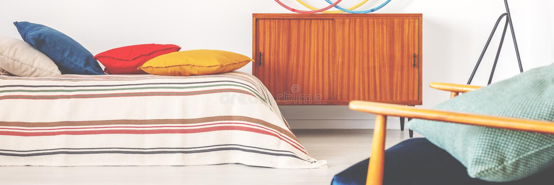 Vraie photo de rétro placard en bois photo stock