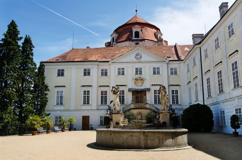 Download Vranov nad Dyji,捷克共和国 库存图片. 图片 包括有 欧洲, 拱道, 城堡, 旅行, 大别墅 - 62534369