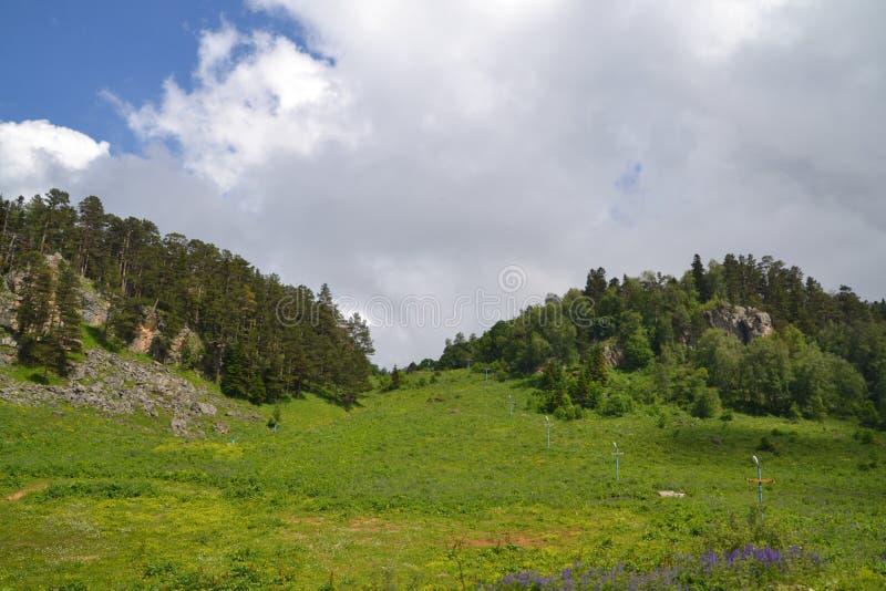 Vrede en bergen stille bergen royalty-vrije stock fotografie