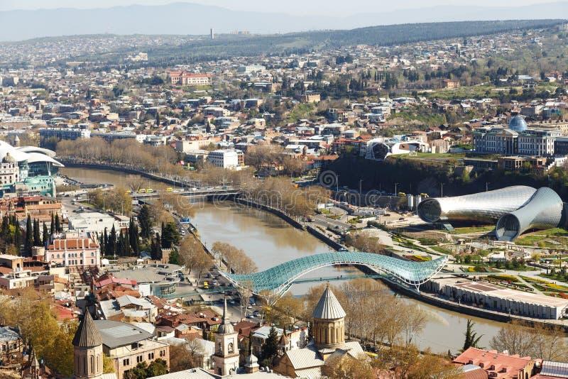 Vredesbrug in Tbilisi in de loop van de dag royalty-vrije stock afbeelding