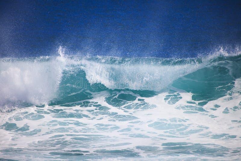 Vreedzame oceaangolfkammen en onderbrekingen royalty-vrije stock foto's