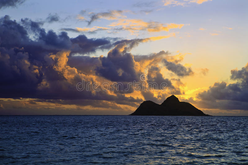 Vreedzame zonsopgang in Hawaï royalty-vrije stock foto