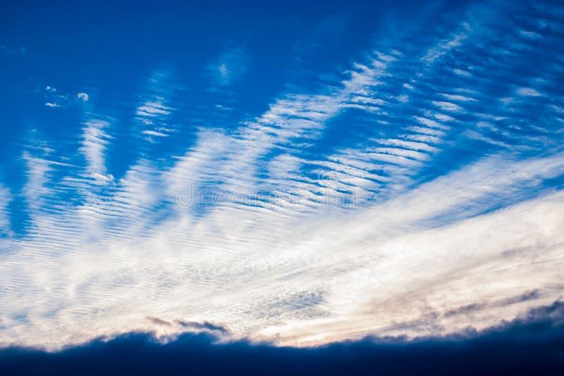 Vreemde Wolken stock afbeeldingen