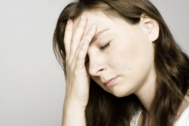 Vreselijke hoofdpijn stock foto's
