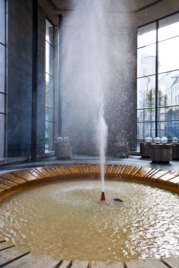 Vridlo - het hete paviljoen van de mineraalwaterlente, Karlovy varieert, Tsjechisch royalty-vrije stock foto's