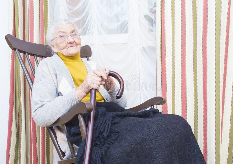 Vriendelijke Bejaarde Dame stock foto's