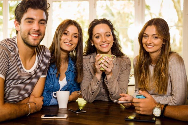Vrienden bij de Koffie royalty-vrije stock afbeelding