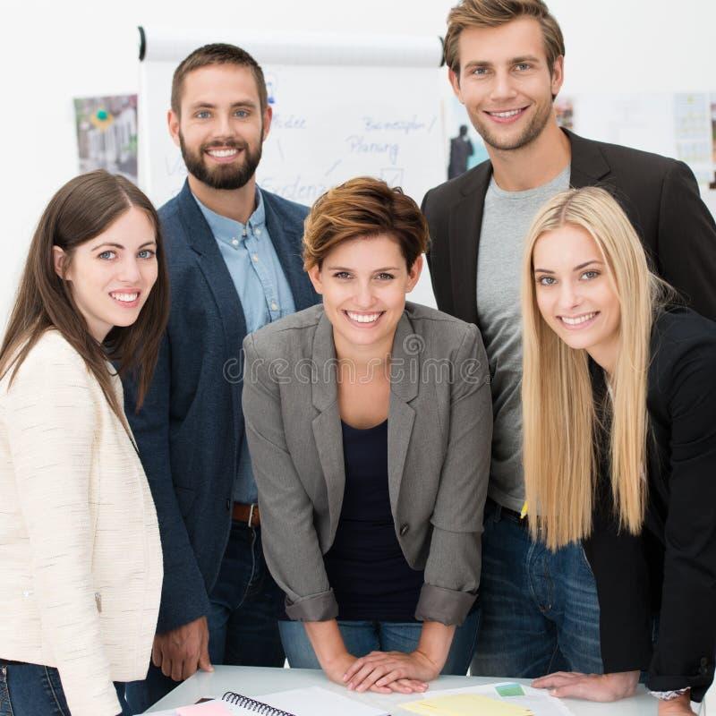 Vriendschappelijk succesvol commercieel team royalty-vrije stock foto's
