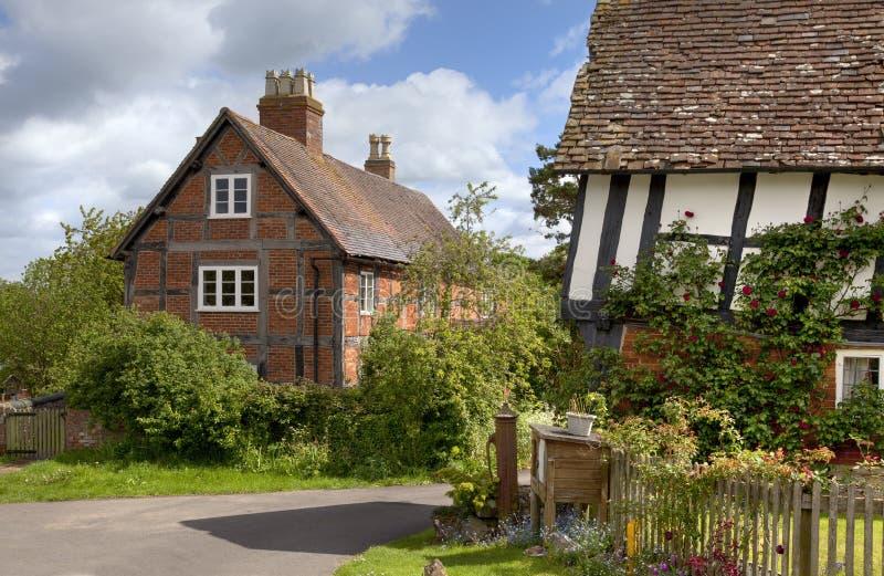 Vrij hout-ontworpen Engelse plattelandshuisjes stock afbeeldingen