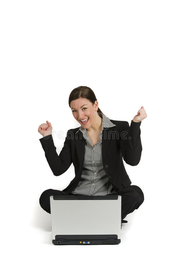 Vrij jonge onderneemster met laptop op wit stock fotografie